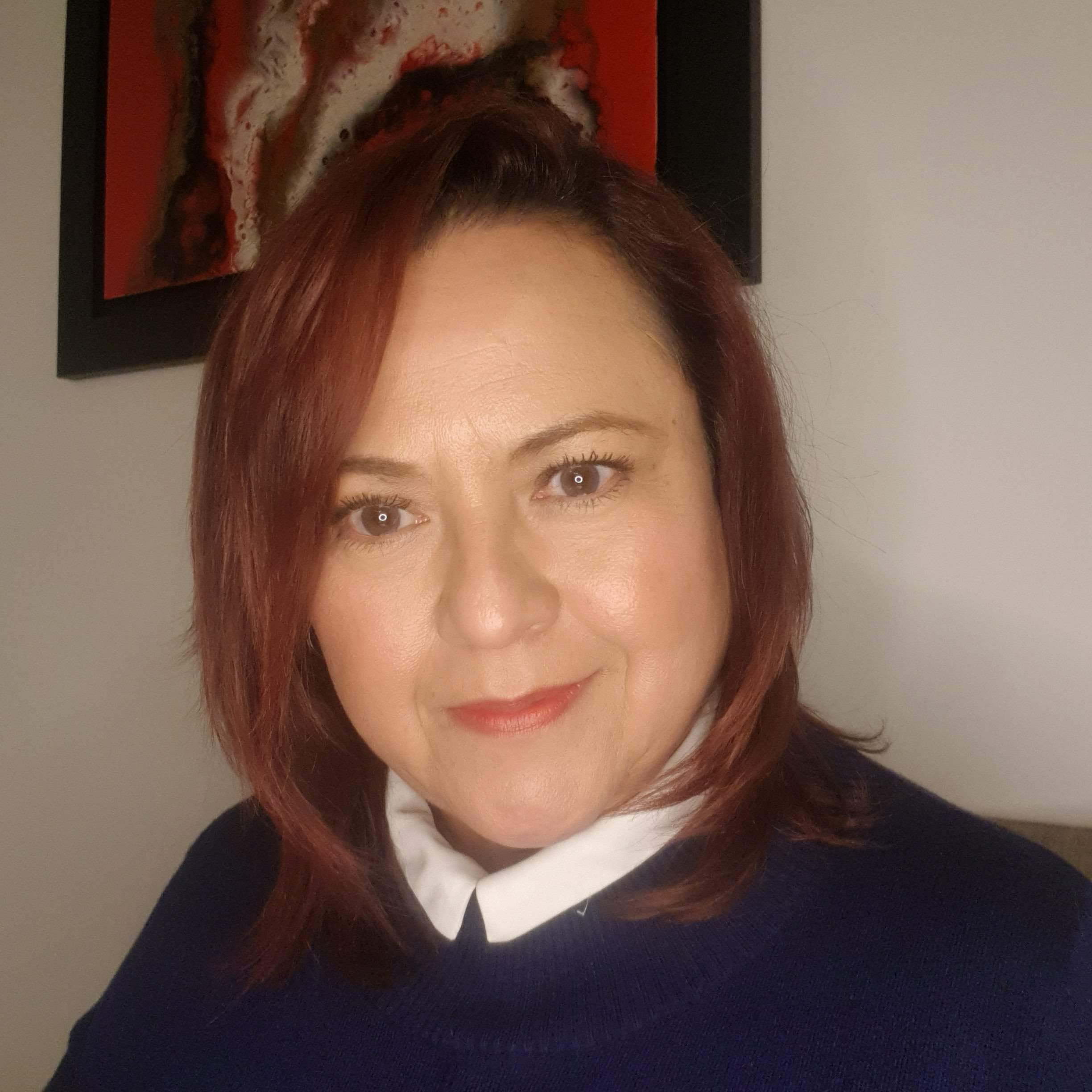 Ligia is a qualified lawyer who has also developed a career in social media marketing and organising international exhibitions in London, working with very many international artists such as Young-sung Kim (Korea), Nancy Wood (UK), Mrs Colorberry (Germany) and many others. She is also Partner in the Mexican and UK firm LawBiz Consulting Group.